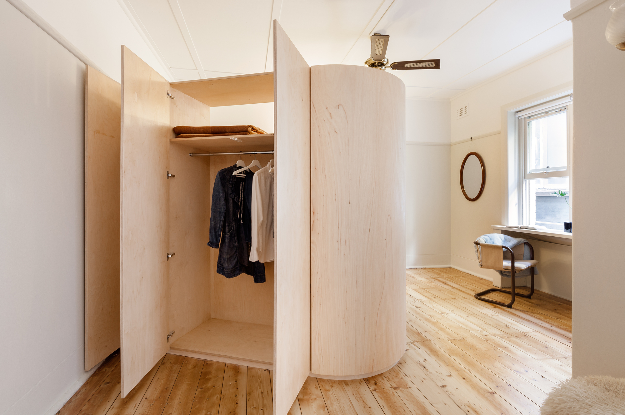 Small And Sculpted Studio Apartment Catseye Bay Design Archdaily