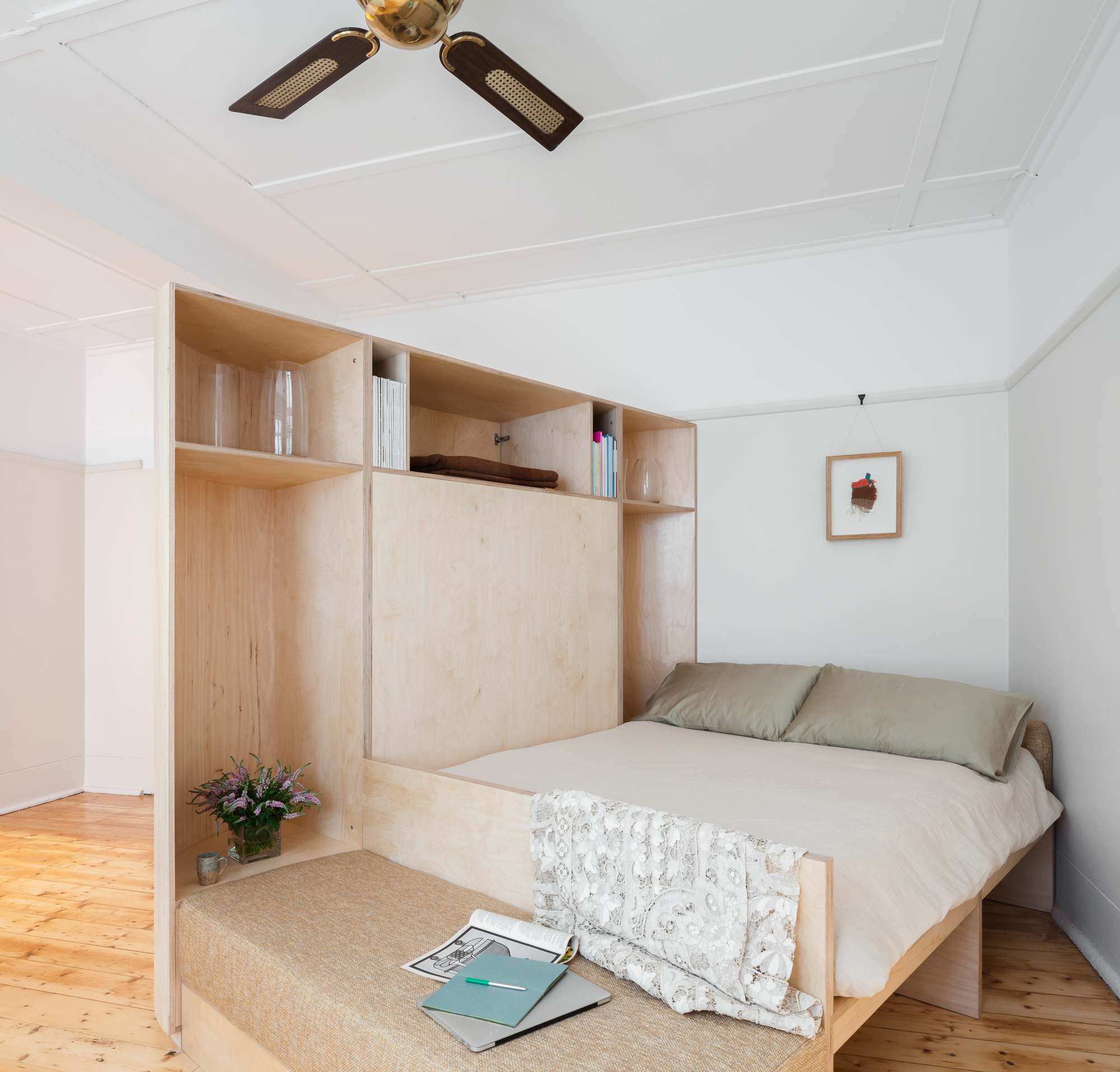 Gallery of small and sculpted studio apartment catseye for Narrow studio apartment