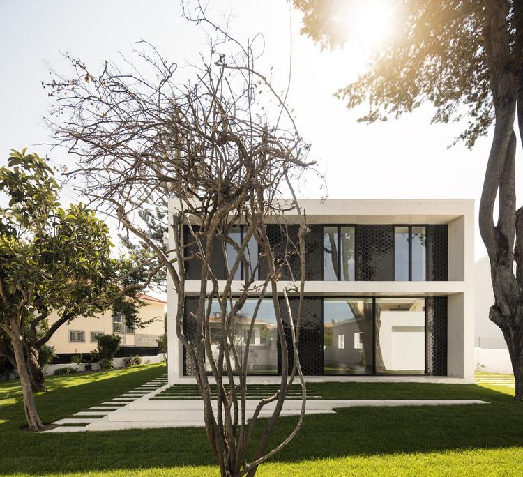 Casa Oeiras / João Tiago Aguiar Arquitectos, © Fernando Guerra |  FG+SG