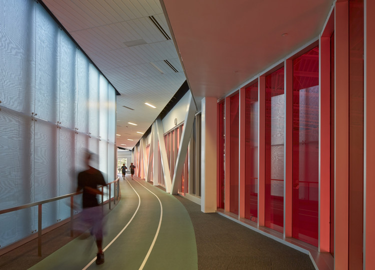 Bill R. Foster and Family Recreation Center / Cannon Design, © Gayle Babcock