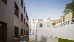 Doorm Student Housing / Luís Rebelo de Andrade