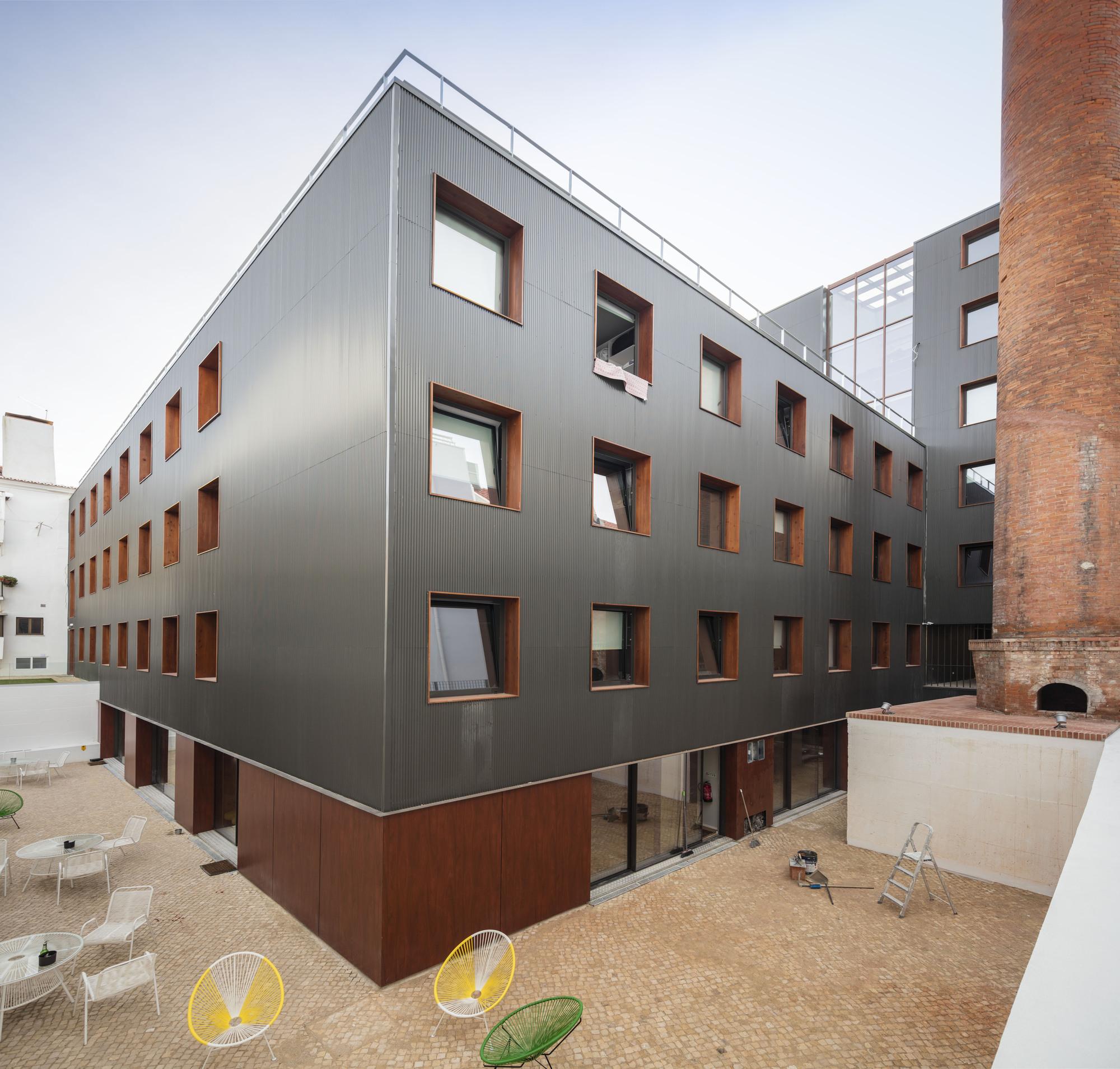 Student Apartments: Gallery Of Doorm Student Housing / Luís Rebelo De Andrade