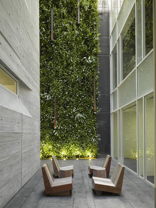 Oficinas Leblon / Richard Meier & Partners, © Roland Halbe