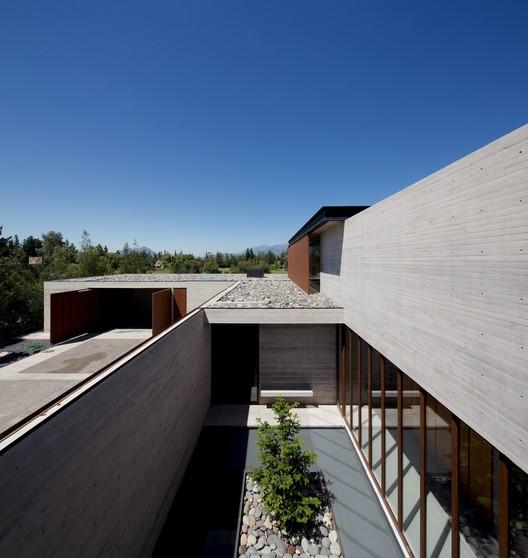Casa em Linderos  / Cristian Hrdalo