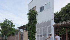Binh House  / Landmak Architecture