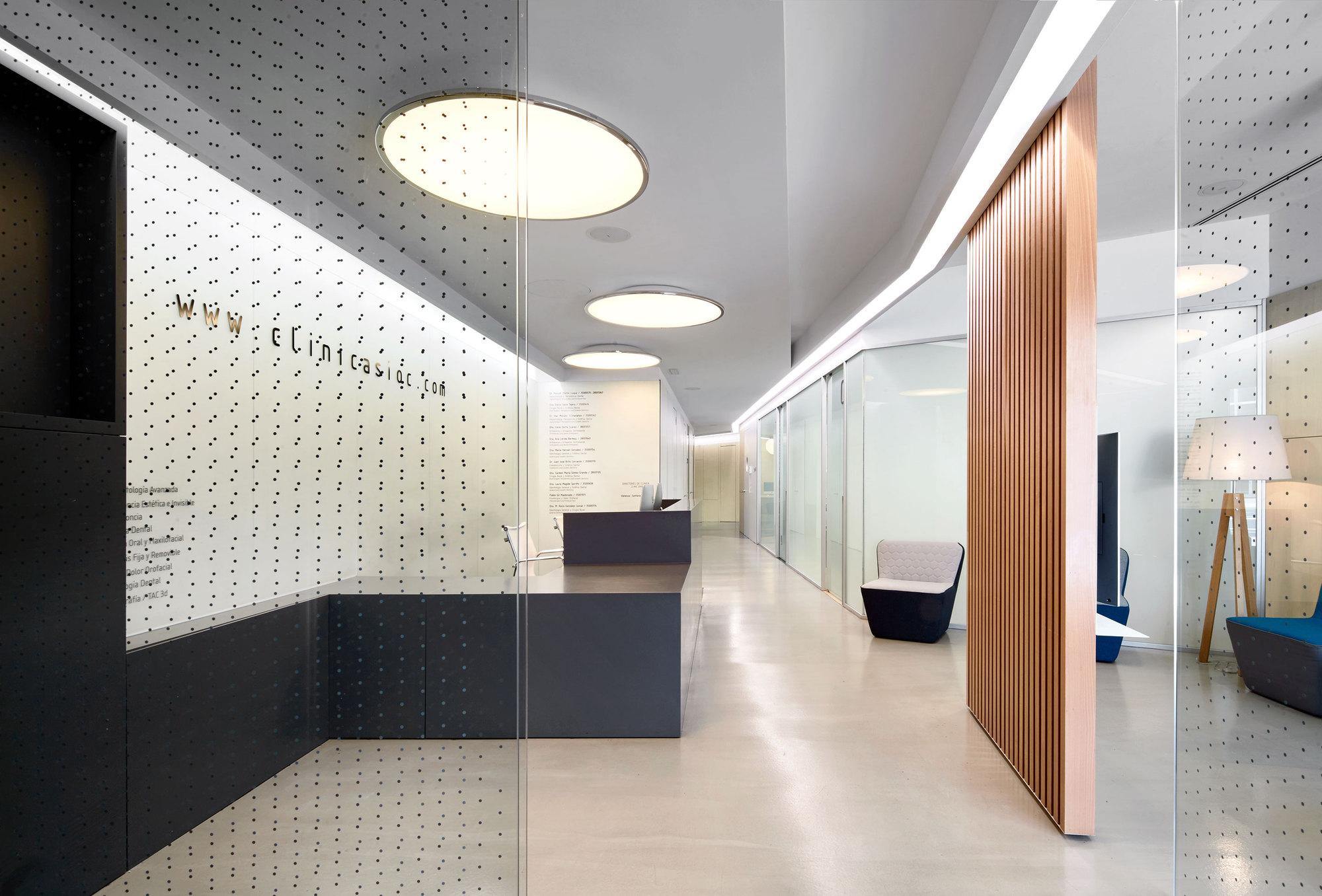 Dental clinic padilla nic s arquitectos archdaily - Planos de clinicas dentales ...
