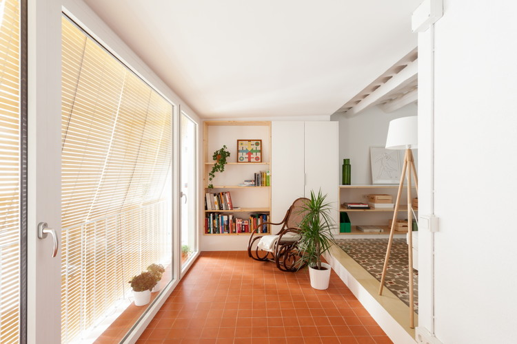 Apartamento en Saint Andreu  / Oriol Garcia Muñoz, © Aitor Estévez