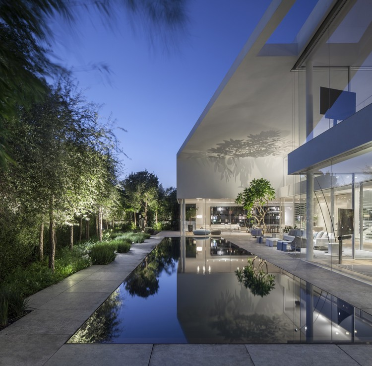 J House / Pitsou Kedem Architects, © Amit Geron