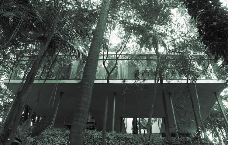 Veronika Kellndorfer, Tropical Modernism: Lina Bo Bardi, Veronika Kellndorfer, Tree House (Casa de Vidro), 2014