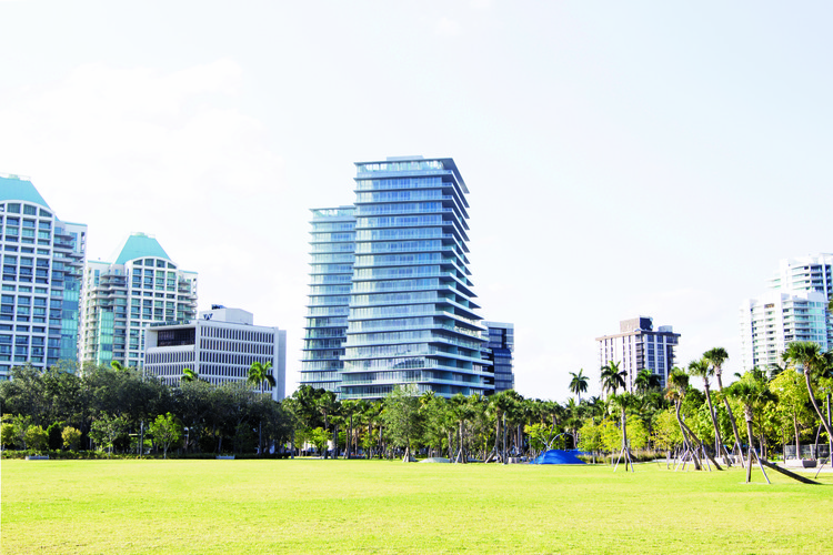 "Projeto ""Grove at Grand Bay"" do BIG pronto para ser inaugurado em Miami, © Terra"