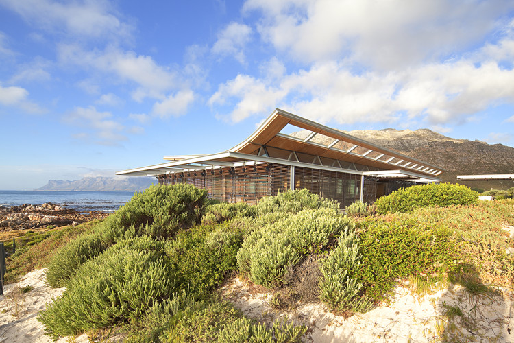 Casa de Playa Rooiels / Elphick Proome Architects , © Dennis Guichard