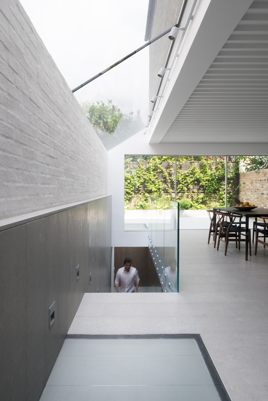 Lightwell House / Emergent Design Studios