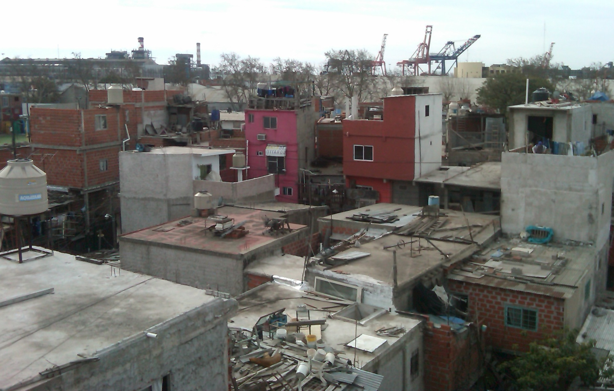 Cómo abordar el déficit habitacional: Estrategias para la ...