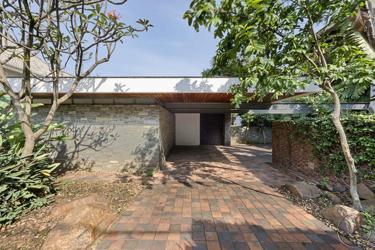 """David Libeskind: ensaio sobre as residências unifamiliares"" por Luciana Tombi Brasil"