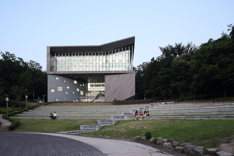 Adagio Valley for Department of Music at University of Seoul / Wooridongin Architects, © Kim Jae-Kyeong