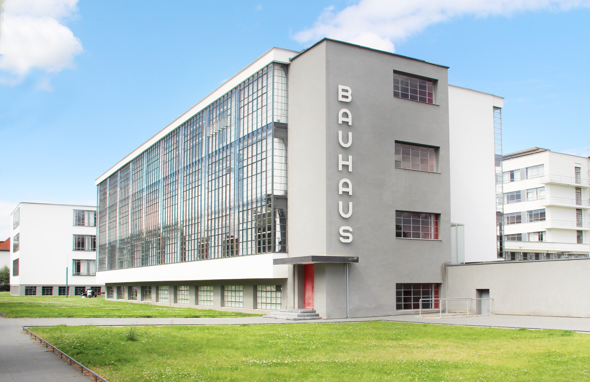 Harvard museums releases online catalogue of 32 000 for Architecture bauhaus