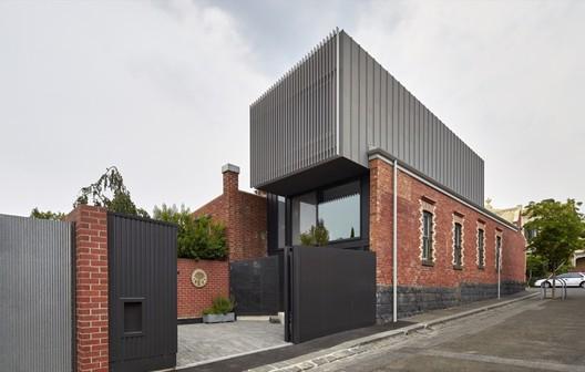 Fitzroy House / Julie Firkin Architects