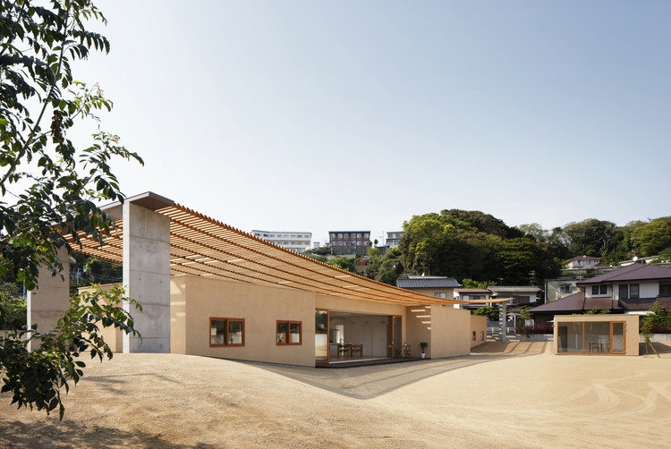 Casa de techo doble / SUEP, © Kai Nakamura