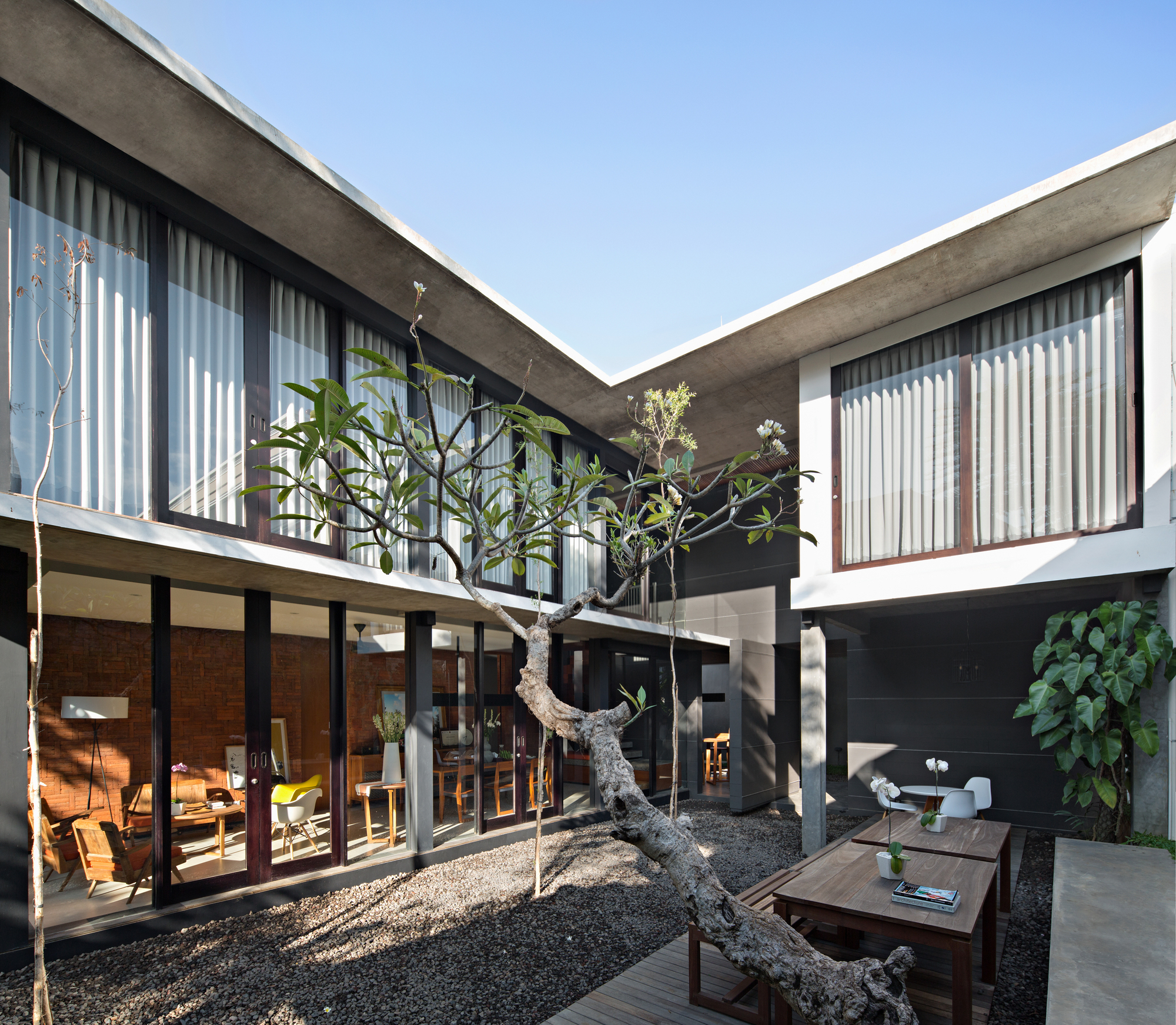 Bali Home Design Ideas: Sujiva Living / Somia Design Studio