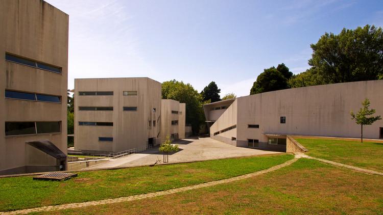 Universidades brasileiras e portuguesas entre as 500 melhores do mundo segundo o Ranking Xangai 2016, Faculdade de Arquitectura da Universidade do Porto. Image © Kristo, via Flickr. Licença CC BY-NC-ND 2.0