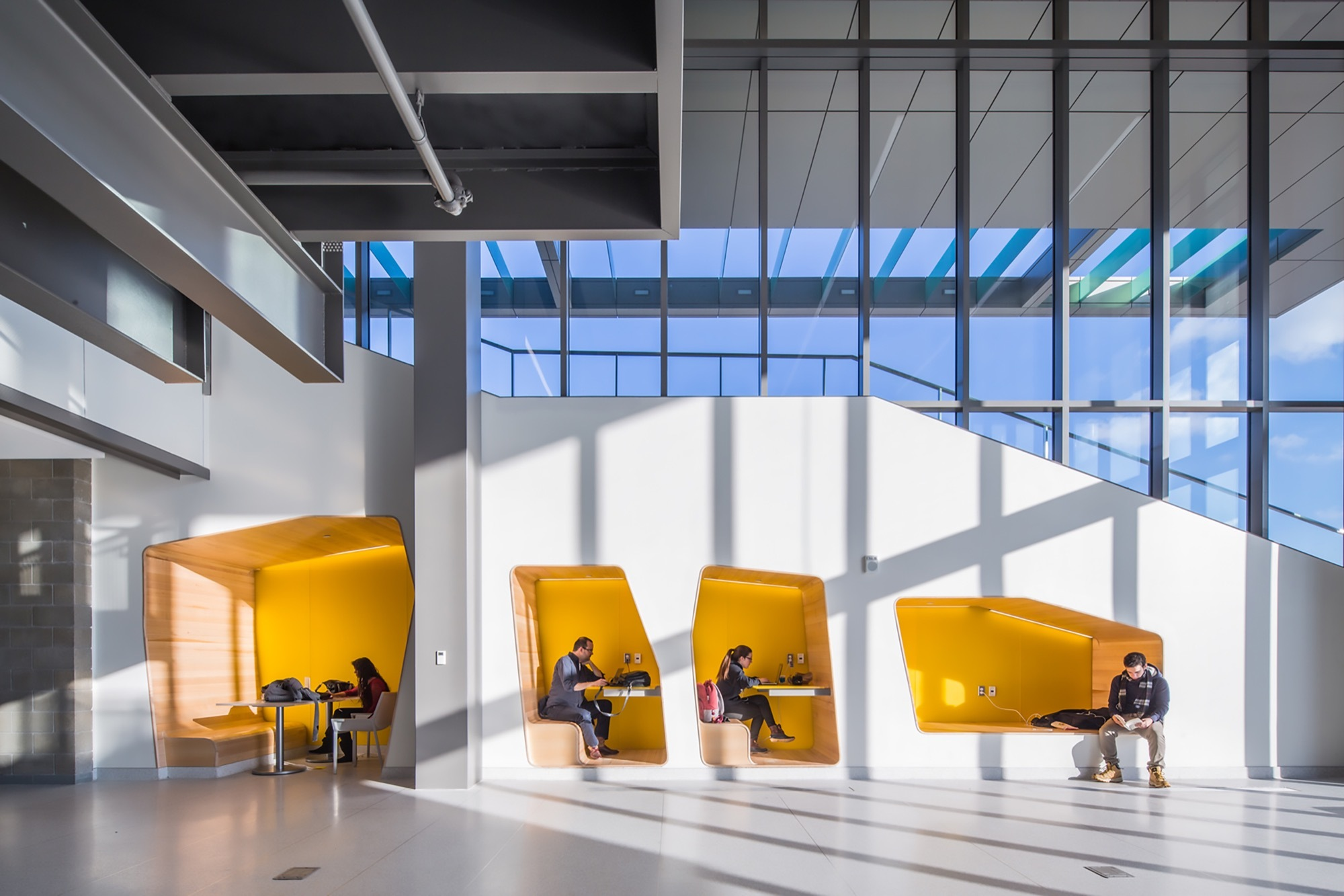Oakland university engineering center smithgroup archdaily - Oakland community college interior design ...