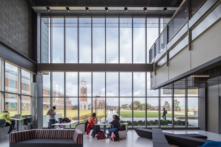 Oakland University Engineering Center Smithgroup Archdaily