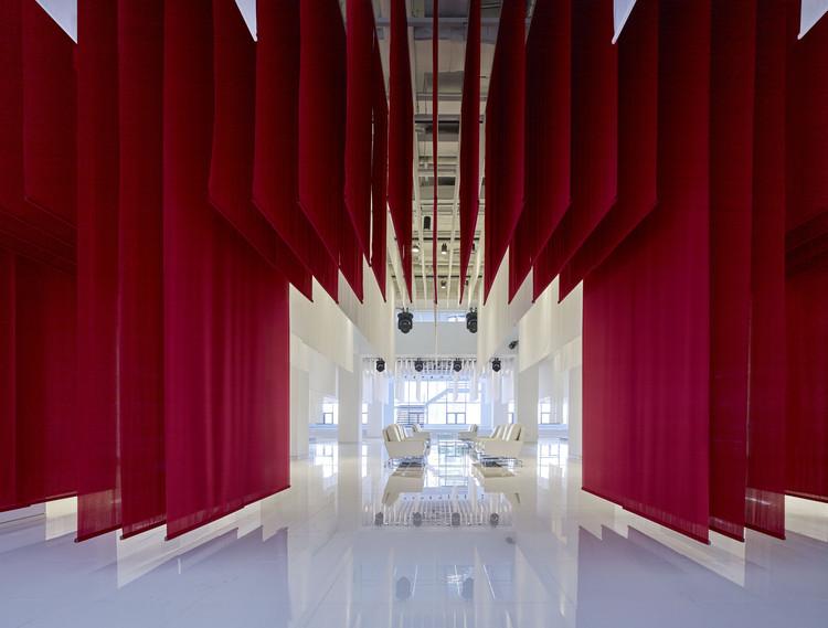Zhengtong BMW Museum, Beijing  / Crossboundaries, © YANG Chao Ying