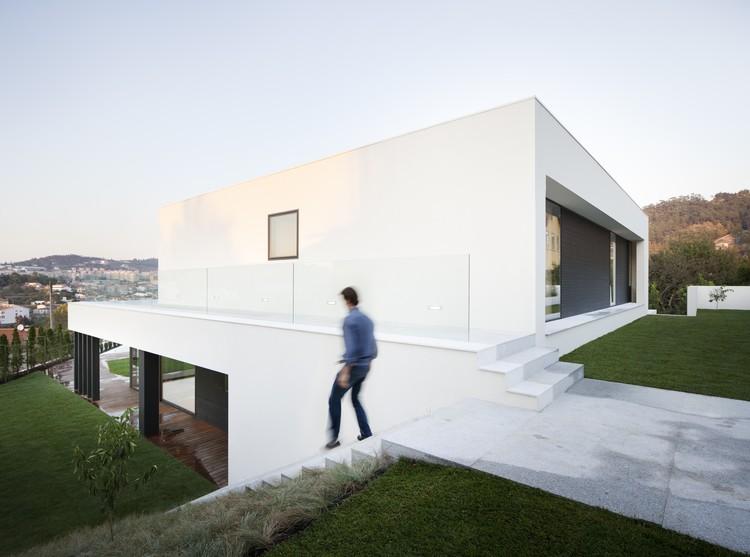 Casa en Braga  / AZO. Sequeira Arquitectos Associados, © Nelson Garrido