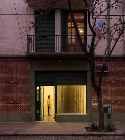 Monoambiente Muestra #15 / LIGA 23: Una columna es un sistema por S-AR / Buenos Aires, Argentina, Galería Monoambiente Muestra #15: Una columna es un sistema. Curada junto a LIGA, Espacio para Arquitectura, DF. Diseñada por S-AR. Fotografía por Manuel Ciarlotti Bidinost. Foto por Estudio Homeless
