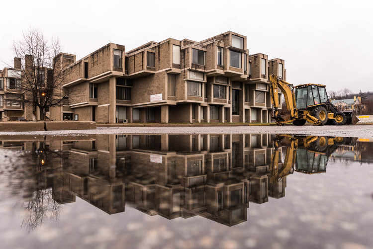 See Paul Rudolph's Orange County Government Center Dismantled Over 4 Seasons With These Photos, Spring – April 7, 2015. Image © Harlan Erskine