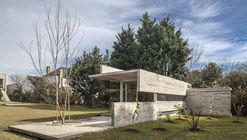 Pavilhão da Casa Torcuato / Besonias Almeida Arquitectos