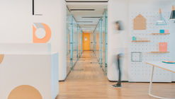 A Warm Clinic / RIGI Design