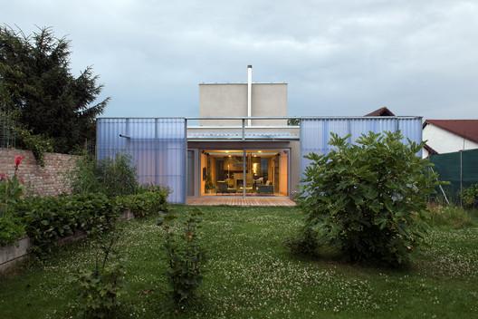 Casa en una Casa / Plural