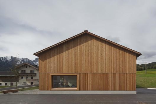 Village House  / Bernardo Bader