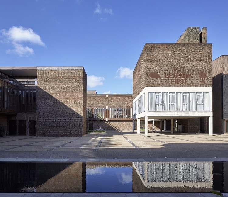 Baylis Old School / Conran and Partners, © Edmund Sumner