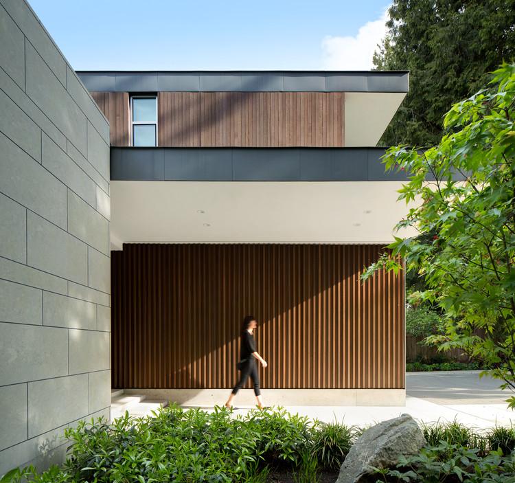 Elm Street Residence / James K.M. Cheng Architects, © Ema Peter