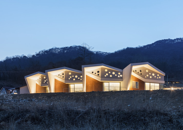 Interlaced Folding  / HG-Architecture + UIA architectural firm, © Kyungsub Shin