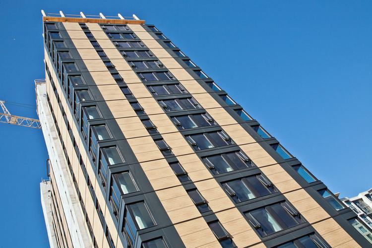 La torre en madera más alta del mundo se destaca en el skyline de ...