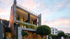 Apartment Building Zambeze  / Juan Pablo Ribadeneira Mora