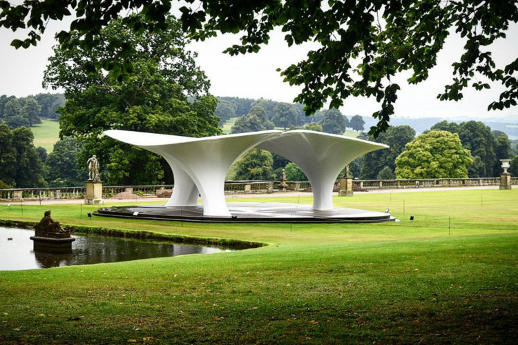 Zaha Hadid's 2007 Serpentine Pavilion Re-Erected at Chatsworth House
