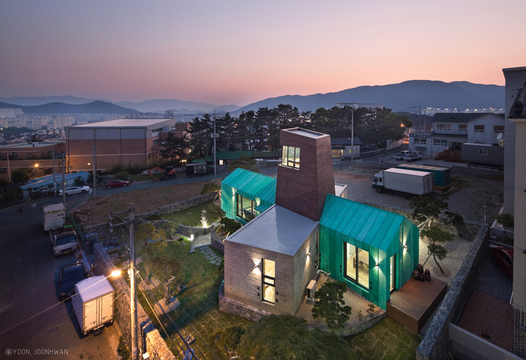 Tower House / ON Architects, © Joonhwan Yoon