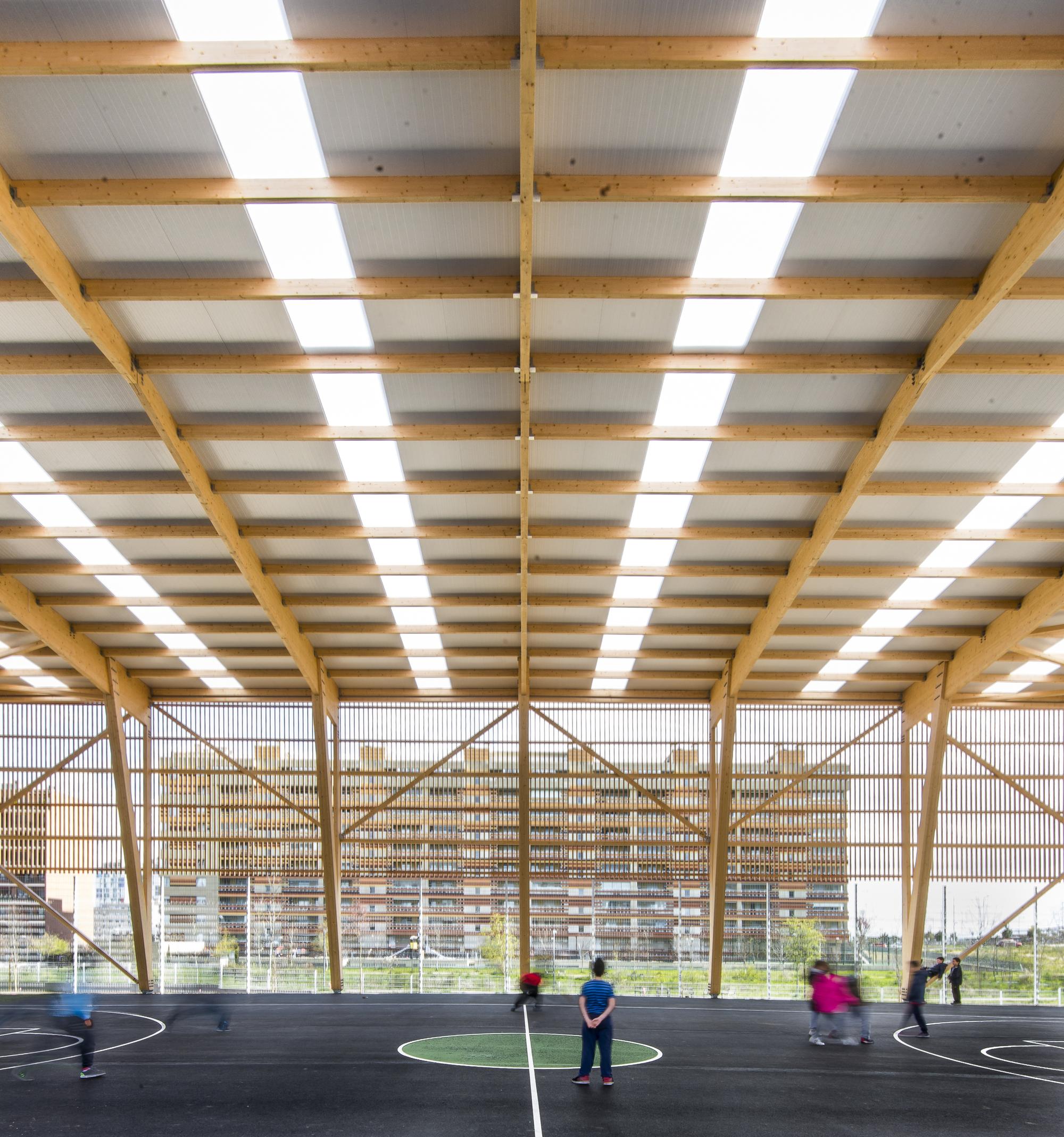 Mariturri school a54 arquitectos archdaily for Interior decorating schools ct