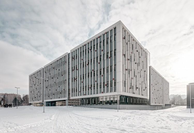 Life Science Centre of Vilnius University / Architektūros linija , © Tadas Černiauskas