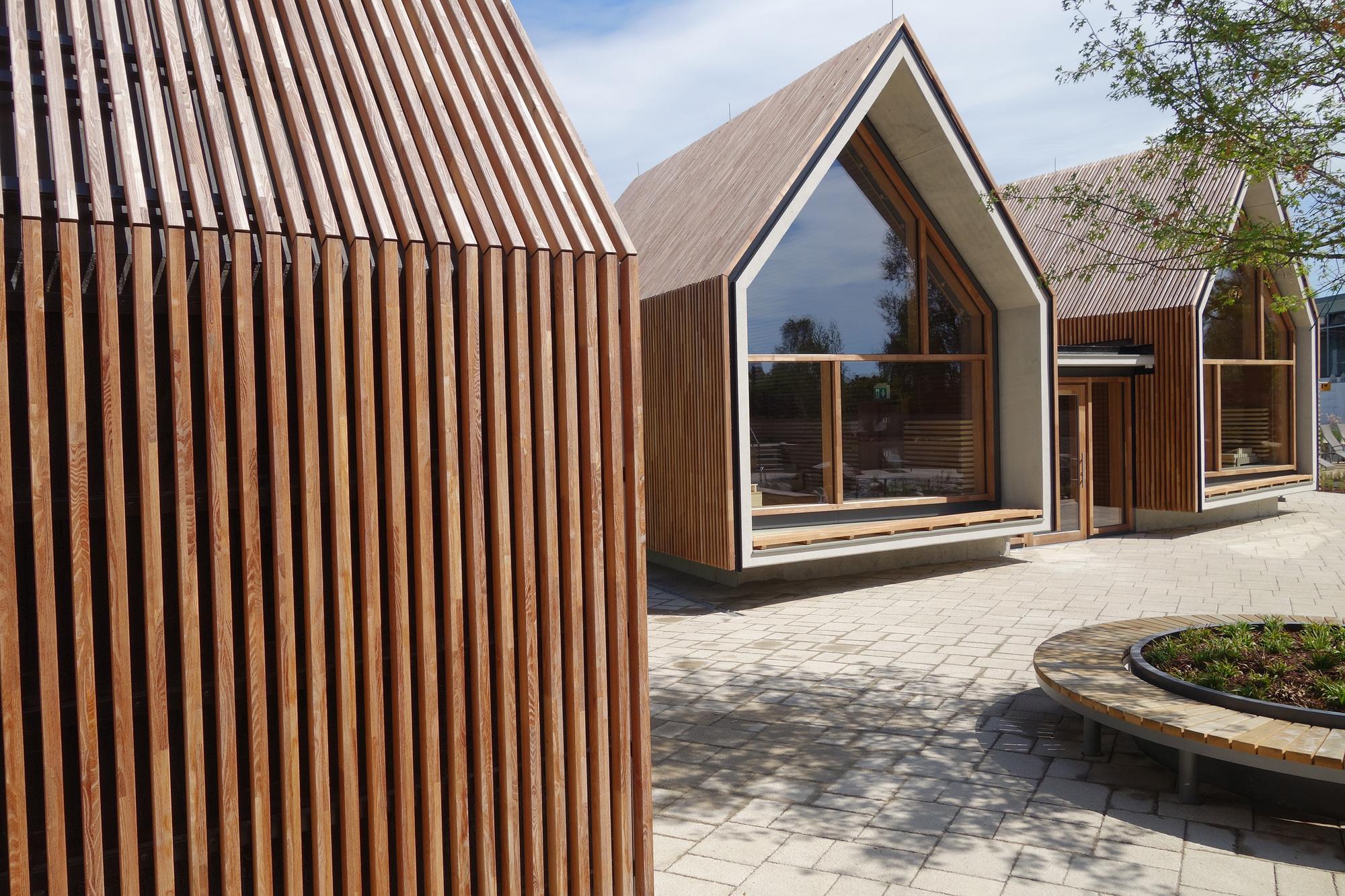 Gallery of jordanbad sauna village jeschke architektur planung 18 - Sauna architektur ...