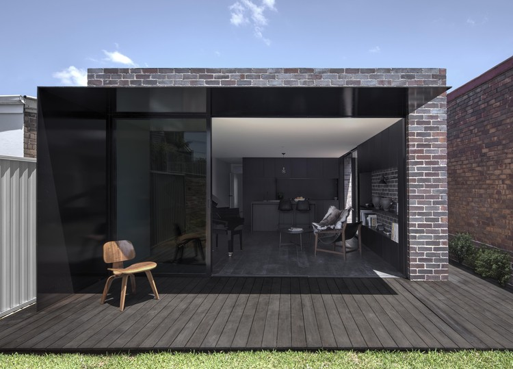 Llewellyn House / studioplusthree, © Brett Boardman