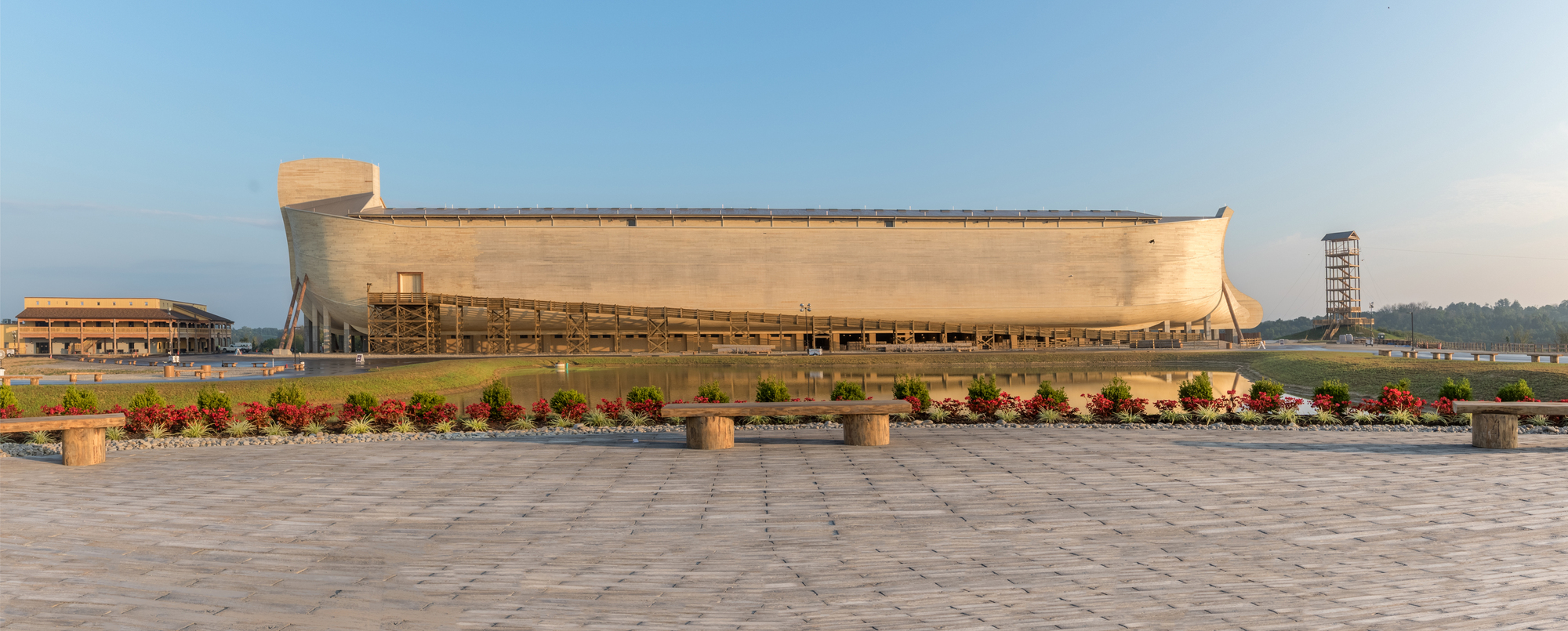 gallery of ark encounter    leroy troyer