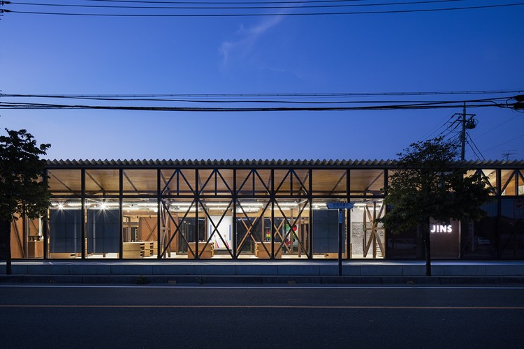 JINS Ageo Shop Renovation / Schemata Architects, © Kenta Hasegawa