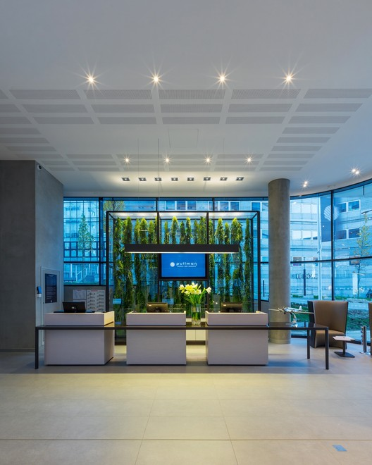 Hoteles accor arte charpentier architectes archdaily for Accor hoteles oficinas centrales