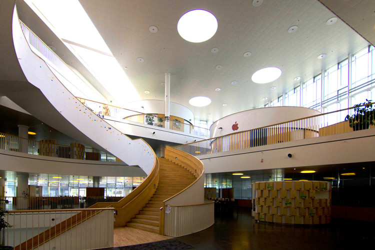 8 Excellent Examples of What Innovative 21st Century Schools Should Look Like