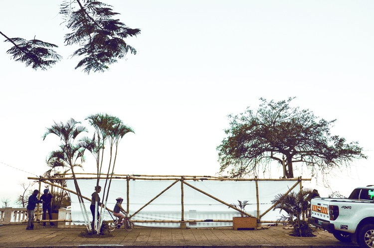 Cinema na escada em Maputo / Estúdio 5 Arquitectos, © Chonga Produções